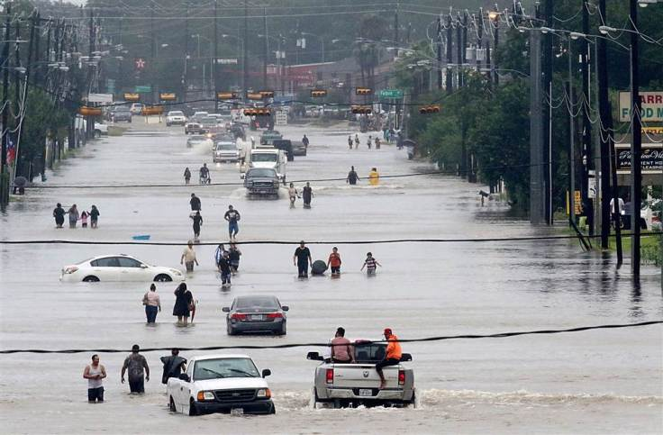 ss-170827-hurricane-harvey-houston-18_dfcba6df4191fed6cc6d19bf336b852e.nbcnews-ux-1024-900