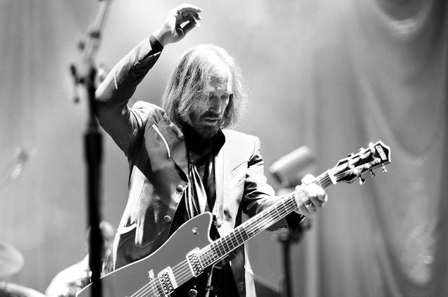 01-tom-petty-perforance-2014-bw-billboard-1548