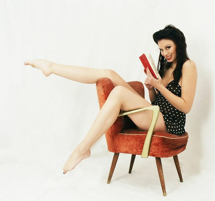 a48d7b8c27fb287436657645121953e2--reading-is-sexy-modern-pin-up1118283092.jpg
